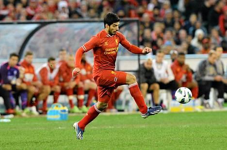 Liverpoolilla on vaikeuksia saada hyökkääjänsä Luis Suarez kuriin.