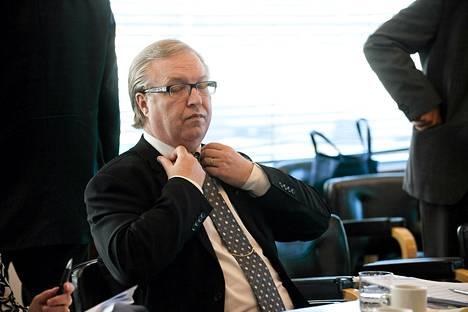 Akavan puheenjohtaja Sture Fjäder Elinkeinoelämän keskusliiton keskustelutilaisuudessa Helsingissä kesäkuussa 2012.