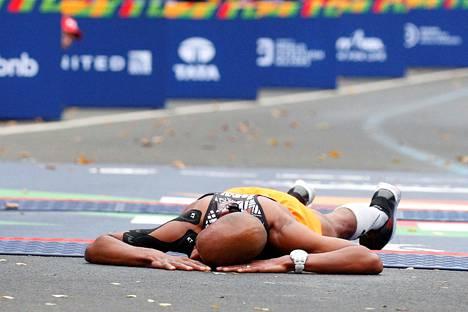 Äärirasituksessa keho joutuu koville. Pahimmillaan se voi johtaa tajunnan menetykseen ja tuupertumiseen. Kuva New Yorkin maratonilta 2017.