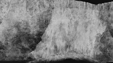 Tacita Dean: Liituputous, 2018. Hauras teos on maalattu liidulla liitutaululle.