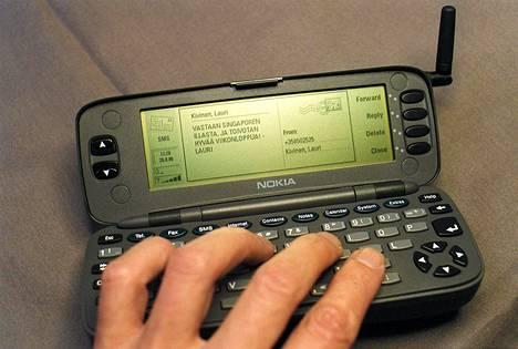 Nokia Communicator vuodelta 1996.