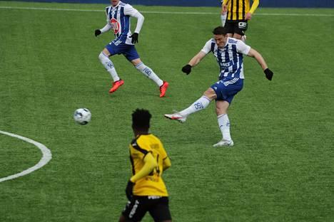 HJK:n Filip Valenčič teki maalin ja syötti yhden, kun Klubi voitti kauden avausottelussa FC Hongan.