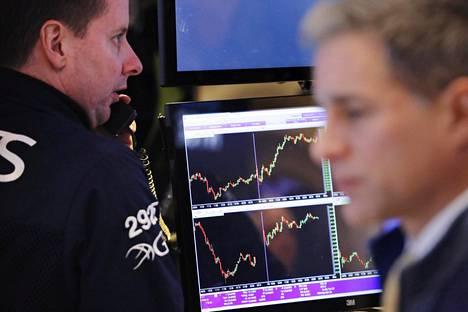 Pörssivälittäjät kävivät kauppaa New Yorkin pörssissä tammikuun alussa.