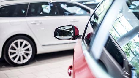 Autoja ostetaan nyt vähemmän kuin vuosikymmeniin.