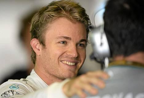 Nico Rosberg pääsee kauden päätöskisaan paalupaikalta.