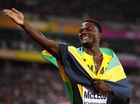 Omar McLeod juhli MM-kultaa.