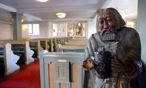 Kerimäen suuressa puukirkossa on esillä vaivaisukkoja. Mukana on myös Suomen vanhin, 1600-luvun lopun ukko Hauholta.