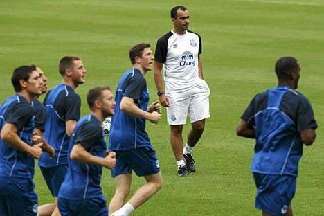 Everton-pelaajat harjoittelevat tulevaa kautta varten.