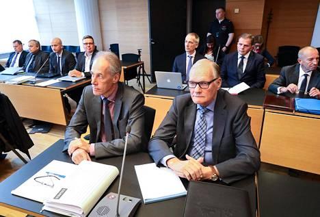 Entistä poliisiylijohtajaa Mikko Paateroa kuullaan keskiviikkona Helsingin käräjäoikeudessa jatkuvassa korkeiden poliisipäälliköiden virkarikosoikeudenkäynnissä.