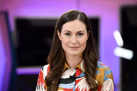 Pääministeri Sanna Marin valmistautui Ylen TV1:n Ykkösaamu-ohjelmaan lauantaina Helsingissä.