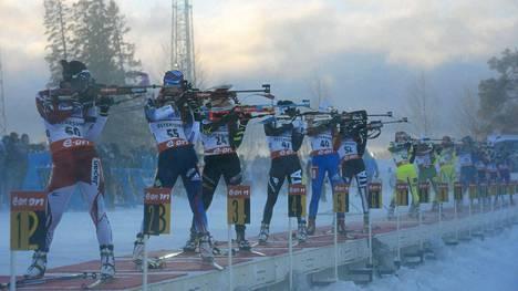 Ampumahiihdon maailmancupin kilpailut Östersundissa sunnuntaina jouduttiin keskeyttämään huonon kelin takia.