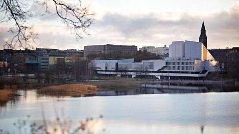 Väliaikainen tapahtumarakennus Pikku-Finlandia sijoittuisi Finlandia-talon ja Töölönlahdenpuiston väliselle katuaukiolle.