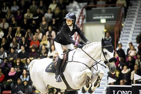 Anna-Julia Kontio Helsinki international horse showssa 2014.