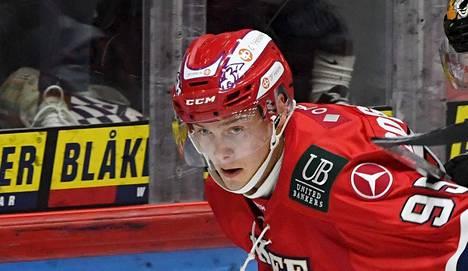 HIFK:n Henrik Borgström avasi lauantaina maalitilinsä jääkiekon Liigassa. Kuva marraskuun KooKoo-ottelusta.