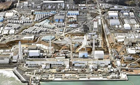 Ilmakuva Fukushiman ydinvoimala-alueesta.