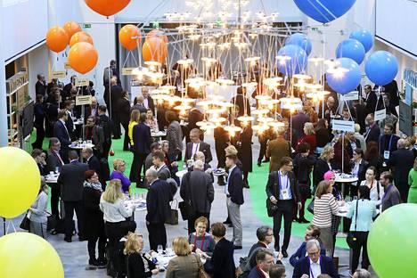 Sitra piti 12. helmikuuta Helsingin Messukeskuksessa Tervettä menoa tulevaisuuteen -tilaisuuden.