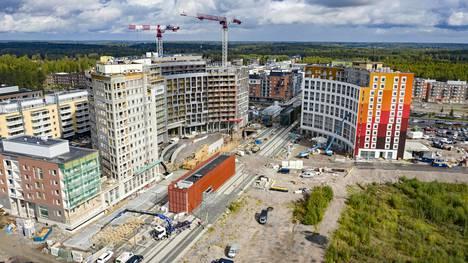 Vantaan Kivistö on yksi alueista, joilla ei ole riittänyt ostajia kaikille valmistuville asunnoille. Koronaviruksen aiheuttama taantuma heittää alueen rakentajille uuden haasteen asuntojen myynnissä.