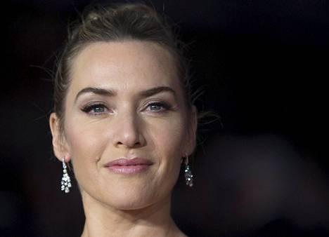 Kate Winslet kuvattuna tuoreimman Steve Jobs -elokuvan ensi-illassa Lontoossa.