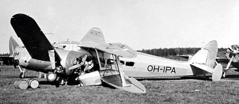 Malmilla tapahtui etenkin sota-aikaan lukuisia onnettomuuksia. Tuhoutunut kone toukokuussa 1940.