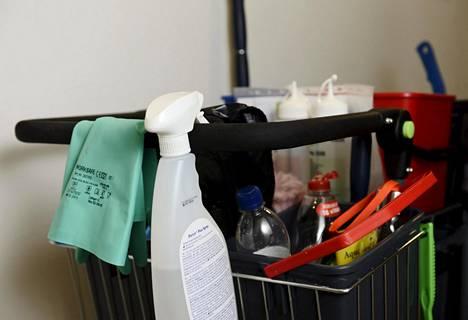 HS uutisoi sunnuntaina ulkomaalaisten työntekijöiden hyväksikäytöstä siivousalalla.