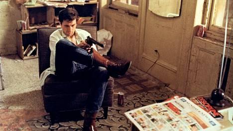 Travis Bicklen (Robert De Niro) pakka alkaa hajota.