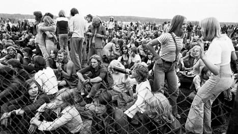 Keimolan ensimmäinen rockfestivaali muuttui sadefestivaaliksi, eikä seuraava vuosikaan sujunut yhtään paremmin.