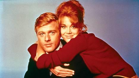 Jane Fonda ja Robert Redford säteilevät vastavihittynä nuorenaparina.
