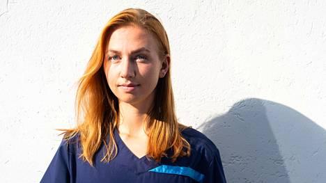 Malmin sairaalassa Helsingissä työskentelevä lääkäri Anni Karjala haluaa korjata terveysasemien ongelmia.