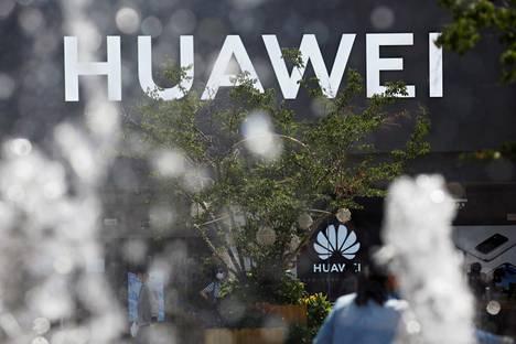 Huawein kauppa Pekingin ostoskadulla tiistaina.