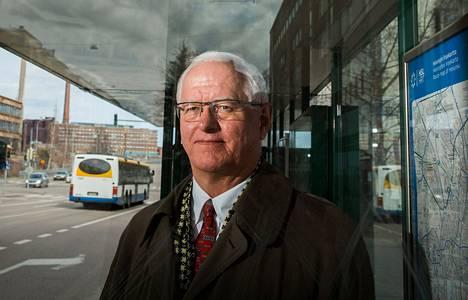 Linja-autoliiton toimitusjohtaja Heikki Kääriäinen.