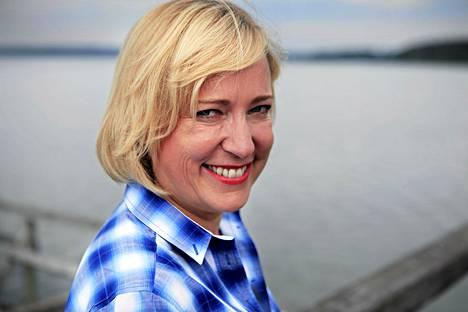 Senja Larsen valmistelee ruotsin oppikirjaa, joka on tarkoitus julkaista syksyllä.