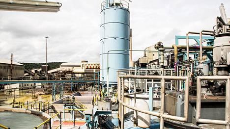 Outotecin toimittama kaasunpuhdistusjärjestelmä ja rikkihappotehdas käsittelee kuparisulaton poistokaasut rikkihapoksi Tsumebin pikkukaupungissa Namibiassa.