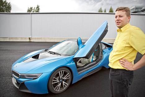 Jaakko Pitkäjärvi oli tiettävästi ensimmäinen suomalainen BMW i8:n omistaja. Sellainen kun piti vaan saada heti, kun auto tuli myyntiin.