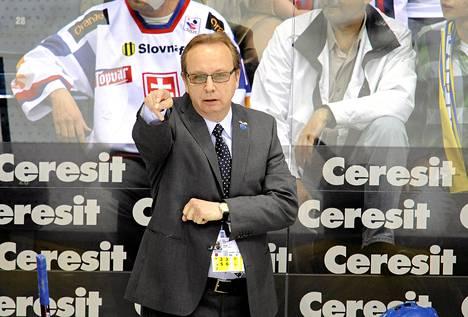 Ruotsin jääkiekkomaajoukkeen päävalmentaja Pär Mårts