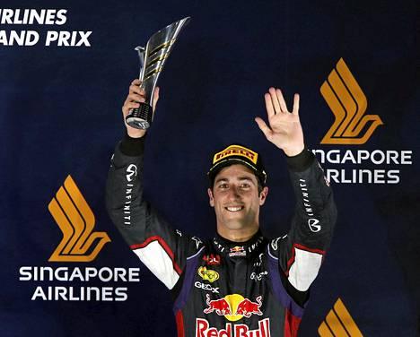 Daniel Ricciardo ajoi kolmanneksi Singaporessa.