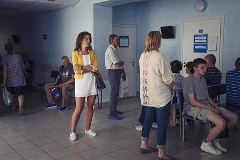 Samaralainen Aleksija Botarjova käymässä terveysasemallaan.