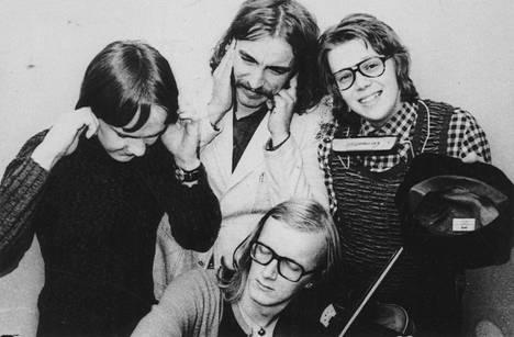 Coitus Int. -yhtye vuonna 1972 : Max Möller, Harri Rinne, Mikko Alatalo ja Juice Leskinen.