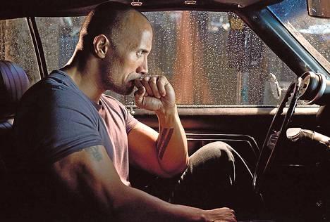 Dwayne Johnson näyttelee vapautuvaa vankia, joka lähtee kostamaan veljensä murhaa.