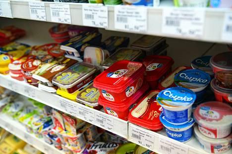 Valion tuotteita oli myytävänä ruokakaupassa Pietarissa keskiviikkona.
