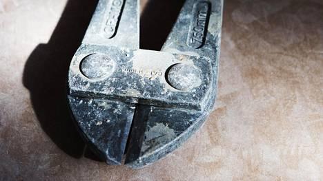 Voimapihdeistä on paljon hyötyä putkiremontin purkuvaiheessa.