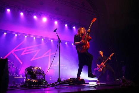 Anssi Kela soitti Paranoid-kappaleen keikan alkajaiseksi Kulttuuritalolla lauantaina 7. marraskuuta.