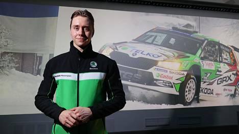 Emil Lindholm tavoittelee ensi vuonna rallin Suomen mestaruutta, mutta haluaa mukaan myös muutamaan MM-ralliin.