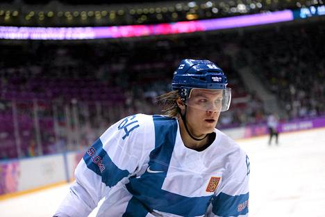 Mikael Granlund ottaa loukkantuneen Aleksandr Barkovin paikan Suomen ykköskentän keskushyökkääjän Kanadaa vastaan.