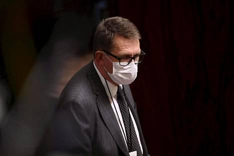 Valtiovarainministeri Matti Vanhanen (kesk) eduskunnan suullisella kyselytunnilla torstaina.