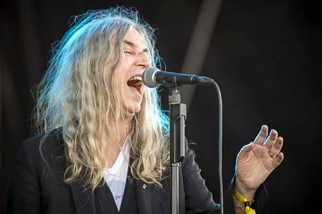 Patti Smithin kolmas studioalbumi oli nimeltään Easter (1978). Kuvassa Smith Ruisrockin lavalla heinäkuussa 2016.