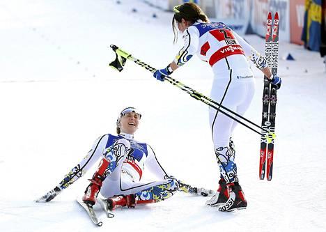 Ida Ingemarsdotter oli maalissa vastassa ankkuriosuuden hiihtänyt Stina Nilssonia.