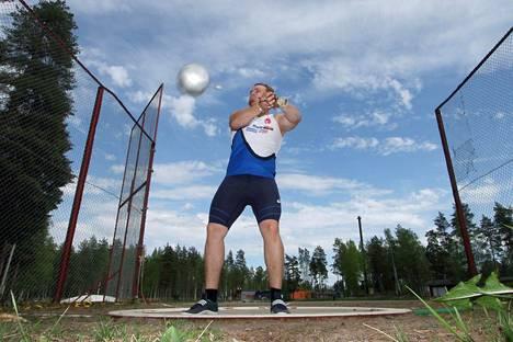 Moukarinheittäjä Aleksi Jaakkola heitti maanantaina ennätyksensä sekä kauden kotimaisen kärkituloksen 74,00. Kuva vuodelta 2016.