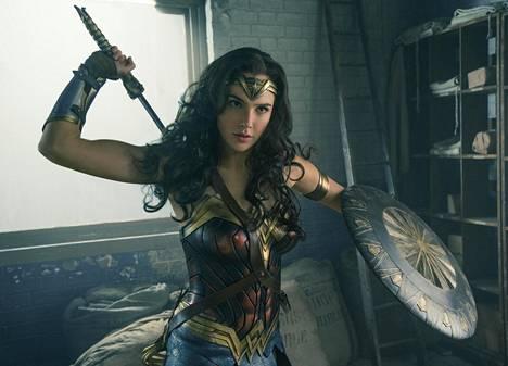 Israelilainen Gal Gadot on osuva valinta Wonder Womanin rooliin. Gadot nähdään myös jatko-osassa Wonder Woman 1984, jonka viimeisin ilmoitettu ensi-iltapäivä on 25. joulukuuta.