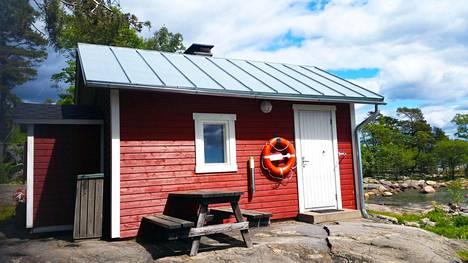 Pihlajasaaren puulämmitteinen sauna.