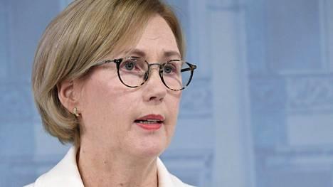 Työministeri Tuula Haatainen sanoo pitäneensä tärkeänä, että työperäisen hyväksikäytön torjuntaan puuttuva laki etenee nopeasti eduskuntaan.